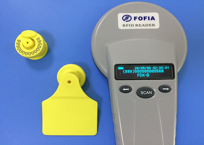 RFID Animal Electronic Ear Tags For Livestock Identification , 134.2khz Frequency